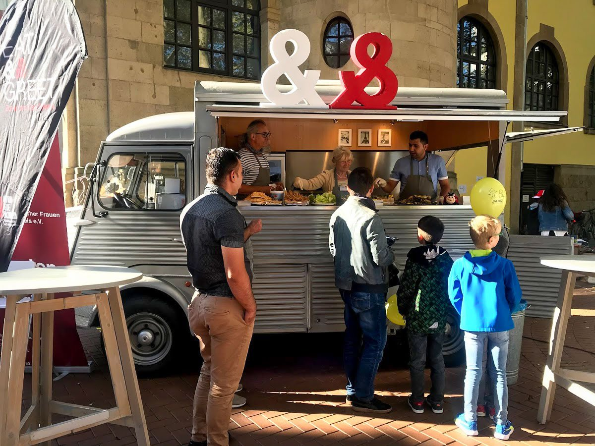 Am 21. September 2019 war der Food Truck der Aktion Neue Nachbarn in Frechen (c) Micken-Schlappal